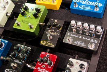 Guitar-Pedal-Display-Stombox-vs-Multi-Effect-Units1